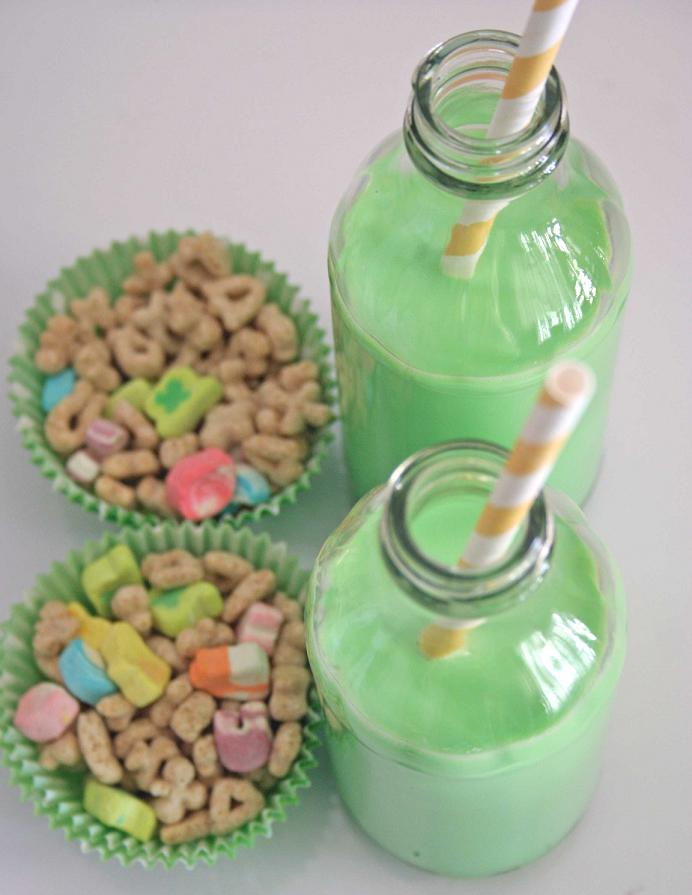 Lucky-Charms-with-Green-Milk