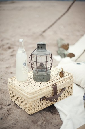 Beach-Picnic-Decor-300x451
